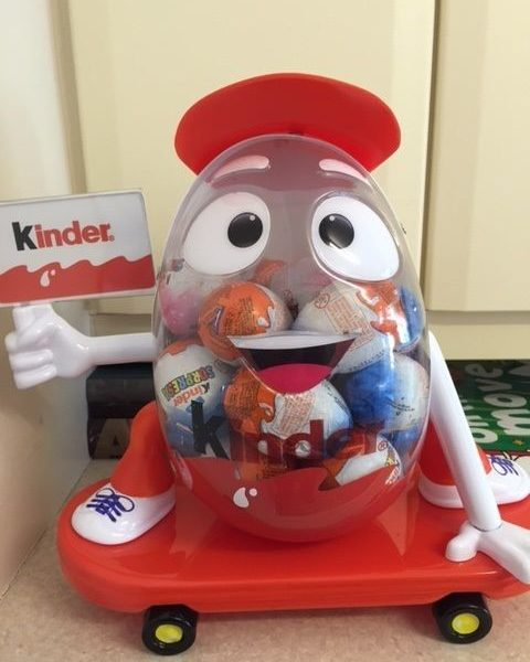 Kinder Surprise Kinderino Eggman Mascot Limited Edition 2016 COLOMBIA MEGA RARE